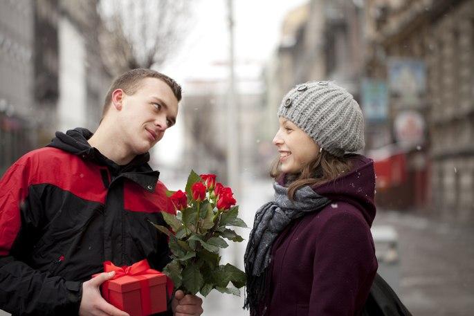 Какие подарки надо дарить девушкам
