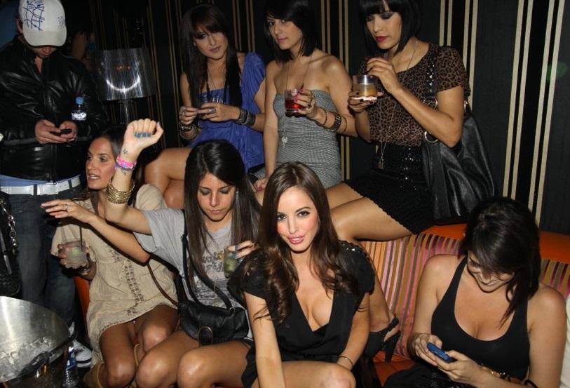 znakomstva-v-klube